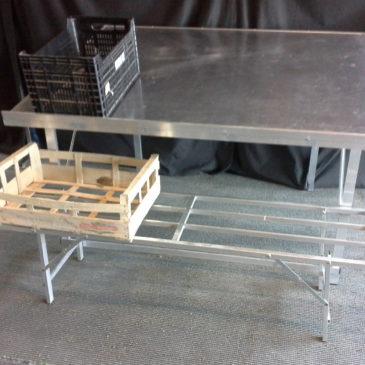 Mesa de aluminio con inclinación y patas plegables MOD-22